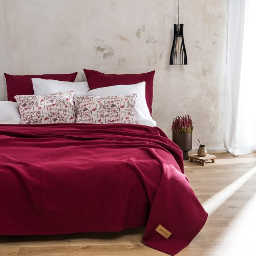 Maroon / burgundy knitted cotton bed cover