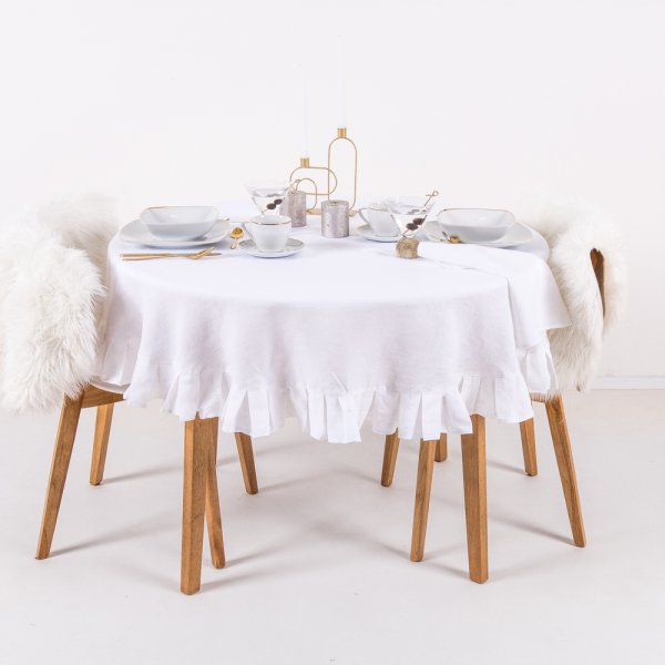 Round linen tablecloth in white