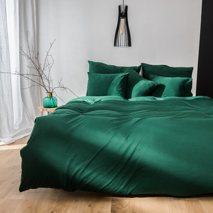 Knitted cotton bedding in bottle green color